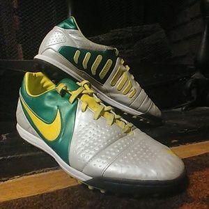 Nike CTR 360 Libretto II | Soccer Cleats | Turf